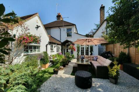 Outstanding 2 Bedroom Houses For Sale In Woking Surrey Rightmove Download Free Architecture Designs Sospemadebymaigaardcom