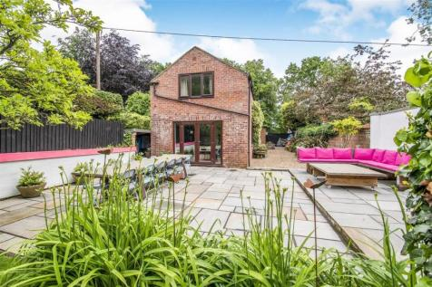 Properties For Sale in Norfolk - Flats & Houses For Sale in Norfolk