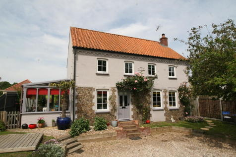 Properties For Sale in Frostenden Corner - Flats & Houses