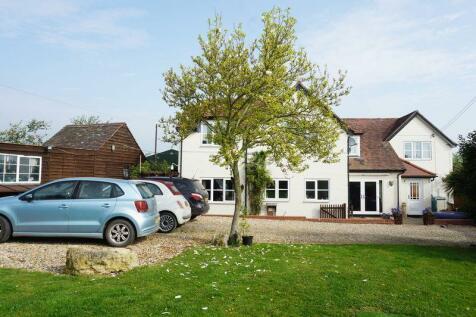 Properties For Sale in Castlemorton - Flats & Houses For