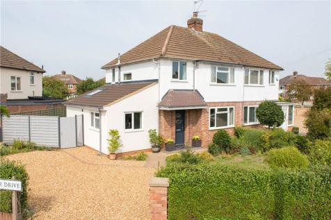 Property For Sale In Wendover Drive Bedford