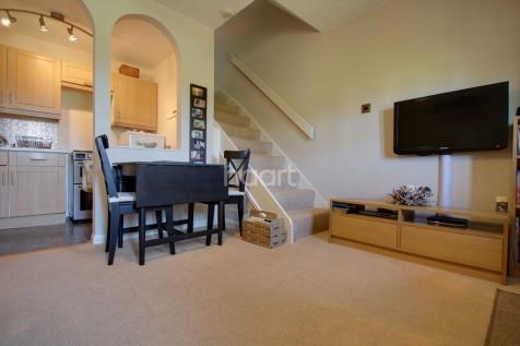 1 Bedroom Houses For Sale In Romford London Rightmove