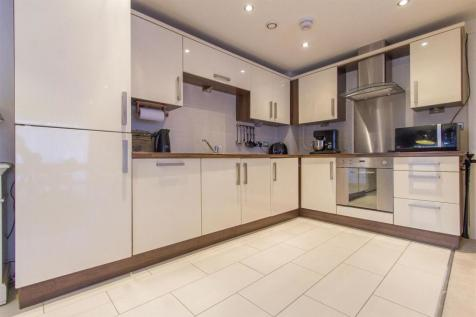 b9c052a2db9ae1 2 Bedroom Flats For Sale in Chesterfield, Derbyshire - Rightmove