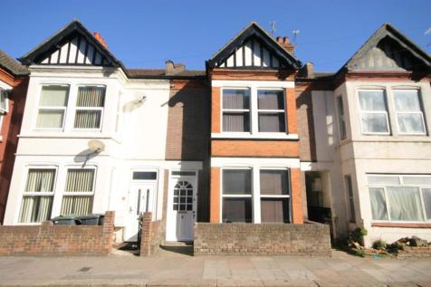 Pleasing 4 Bedroom Houses To Rent In Luton Bedfordshire Rightmove Home Interior And Landscaping Pimpapssignezvosmurscom