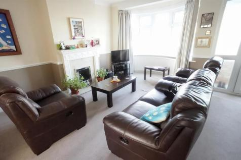 3 Bedroom Houses For Sale In Chingford East London Rightmove