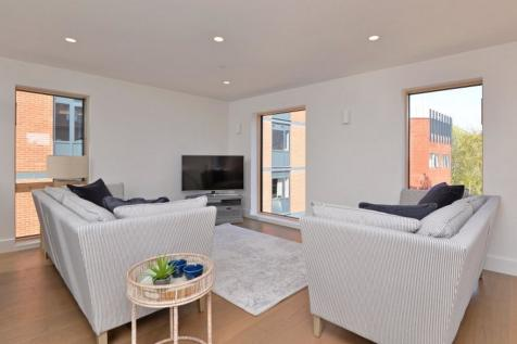 b1634e2f9a9b 3 Bedroom Houses For Sale in Exeter