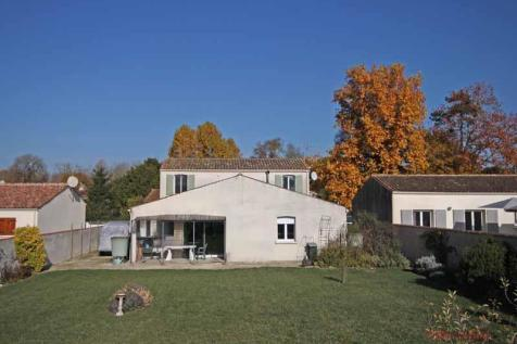 9363acf6d7 Property For Sale in St-Jean-d'Angély - Rightmove