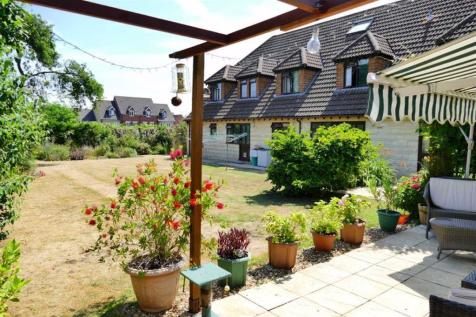 Properties For Sale in Calne - Flats & Houses For Sale in