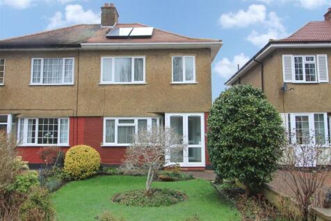 3 Bedroom Houses For Sale In Uxbridge Greater London
