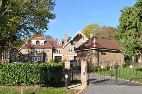 a377c323aa9 2 Bedroom Flats For Sale in Coulsdon
