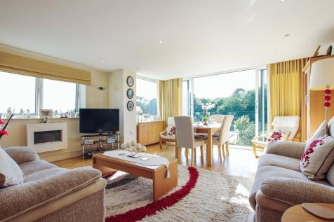 2 Bedroom Flats For Sale In Barry Vale Of Glamorgan The Rightmove