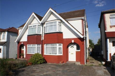 3 Bedroom Houses For Sale In Stanmore Middlesex Rightmove
