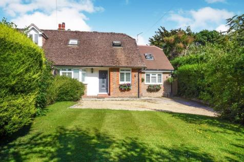 Properties For Sale in Angmering Park - Flats & Houses For Sale in
