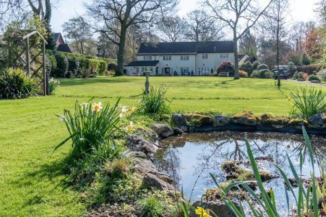 Properties For Sale in Patmore Heath - Flats & Houses For