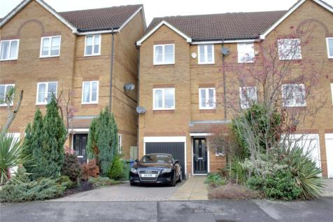 3 Bedroom Houses For Sale In Aldershot Hampshire Rightmove