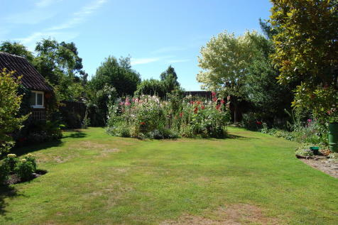 Properties For Sale in Woodbridge - Flats & Houses For Sale in ...