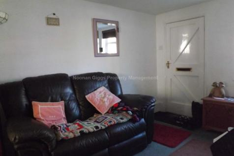 Properties To Rent in Hail Weston - Flats & Houses To Rent