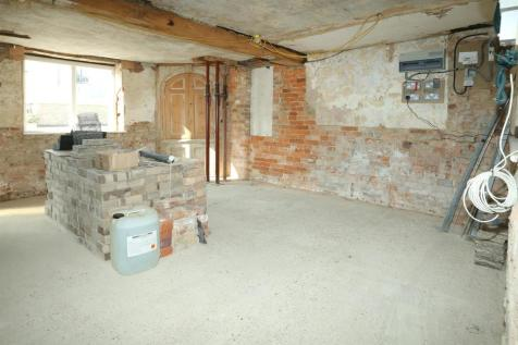 Houses For Sale in Husbands Bosworth - Rightmove