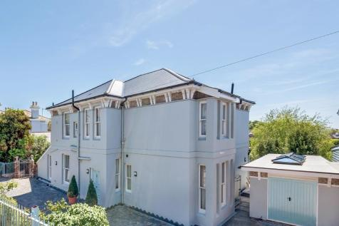 Properties For Sale in Hastings Old Town - Flats & Houses For Sale