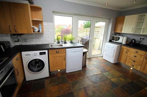cheap flats rentals in the course of insusceptible to 50s written language berkshire