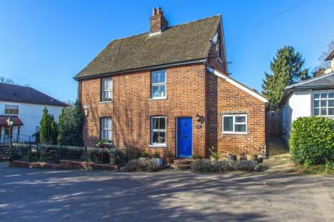 Properties For Sale in Godstone - Flats   Houses For Sale in ... 6b39c5cb6