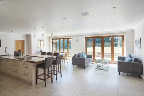 Properties For Sale in Tunbridge Wells - Flats & Houses For Sale in