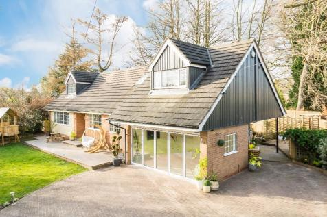 Properties For Sale in Oulton - Flats & Houses For Sale in