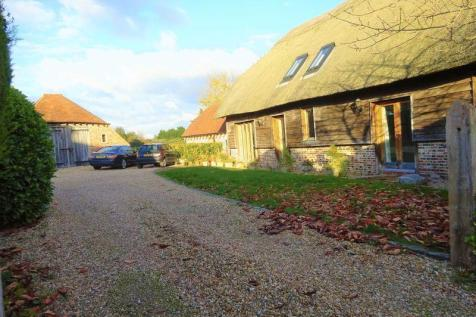 Northney Village, Church Lane, Hayling Island. 2 bedroom barn conversion