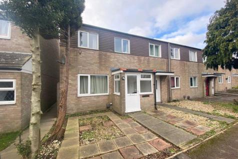 Millfield Close, Chichester. 4 bedroom terraced house
