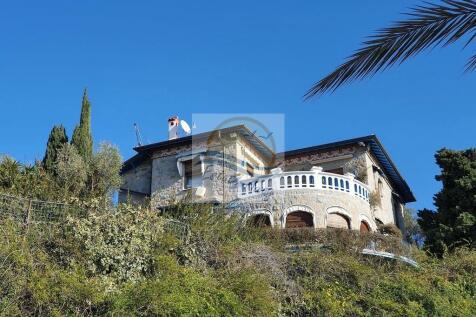 Bordighera, Imperia, Liguria. 6 bedroom villa for sale