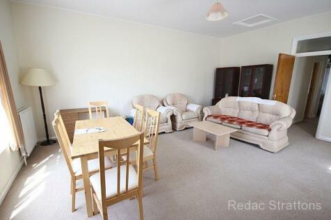 Denbigh Road, Ealing, London W13. 2 bedroom flat