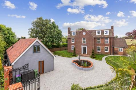 Elvington Lane, Hawkinge, Folkestone, CT18. 5 bedroom detached house