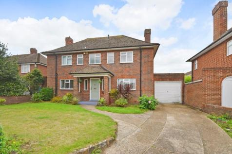 Shorncliffe Road, Folkestone, CT20. 3 bedroom detached house
