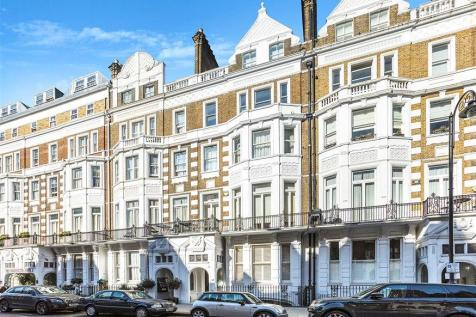 Harrington Gardens, South Kensington, South Kensington, London, SW7. 3 bedroom flat for sale