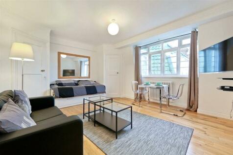 Chatsworth Court, Pembroke Road, Kensington, W8. Studio flat