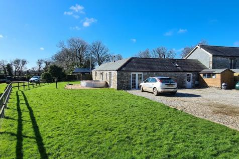 Lower Carwythenack Farm, Falmouth. 3 bedroom semi-detached bungalow