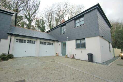 Penryn, Cornwall. 3 bedroom detached house