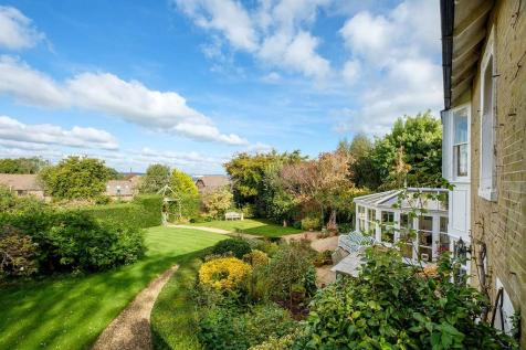 Baring Road, Cowes. 5 bedroom detached house for sale