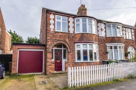 Mayfield Road, Peterborough, PE1 4HJ. 4 bedroom semi-detached house