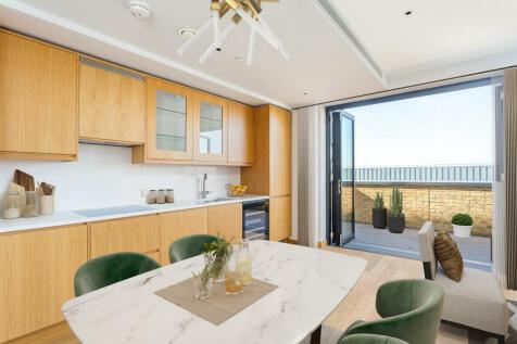 Shoreham Gardens, Ram Quarter, SW18. 3 bedroom apartment for sale