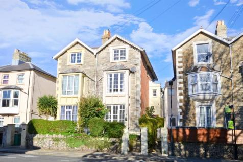 Newport, Isle of Wight. 4 bedroom semi-detached house