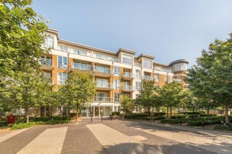 Kew Riverside, Kew, Richmond, TW9. 3 bedroom penthouse