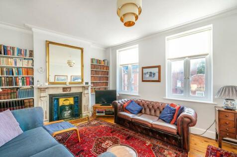 Garfield Road, Twickenham, TW1. 4 bedroom flat for sale