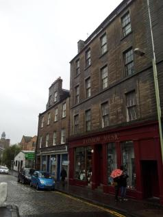 Flat 5, 35A Cowgate, Dundee, DD1 2JF. 1 bedroom flat