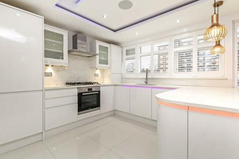 Upper Tulse Hill, Brixton. 1 bedroom flat