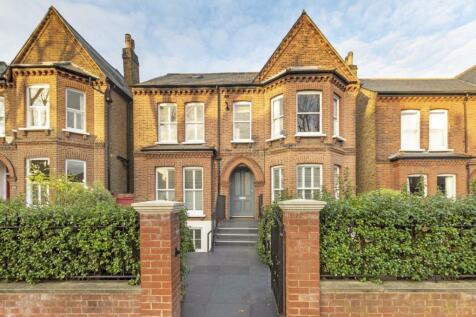 Palace Road, Brixton. 2 bedroom flat