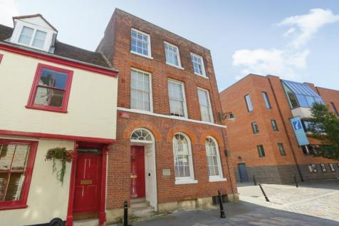Best Lane, Canterbury. 4 bedroom town house