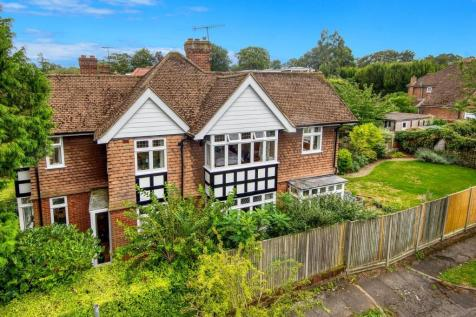 New Dover Road, Canterbury. 4 bedroom detached house