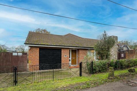Glen Walk, Yorkletts, Whitstable. 4 bedroom detached bungalow for sale