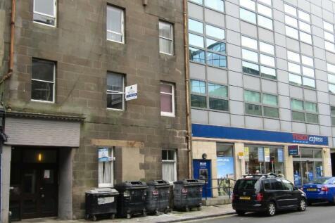 166/2 Causewayside, Edinburgh, EH9 1PN. 2 bedroom flat